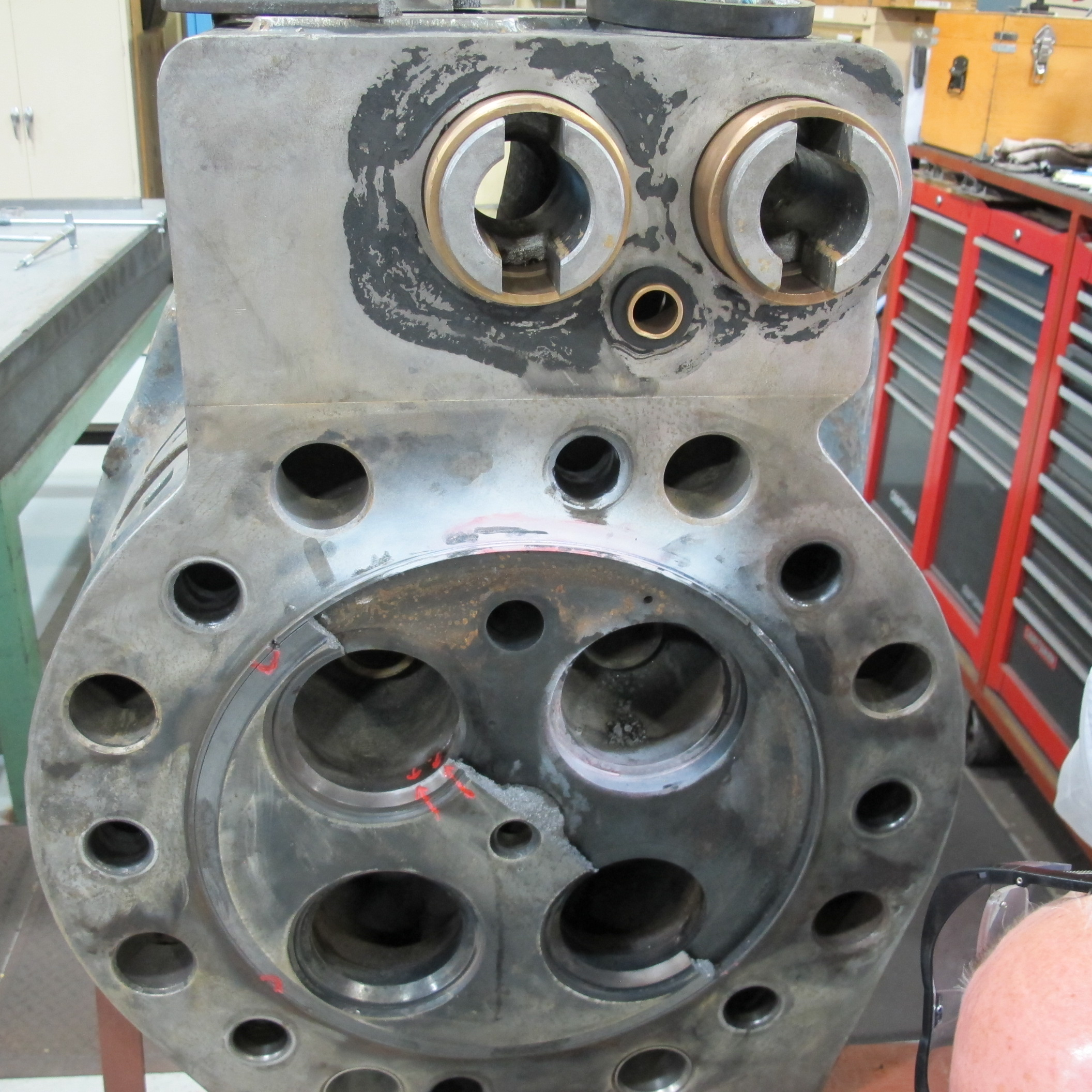 Welding Cylinder Heads : Lloyds cylinder head repair upcomingcarshq