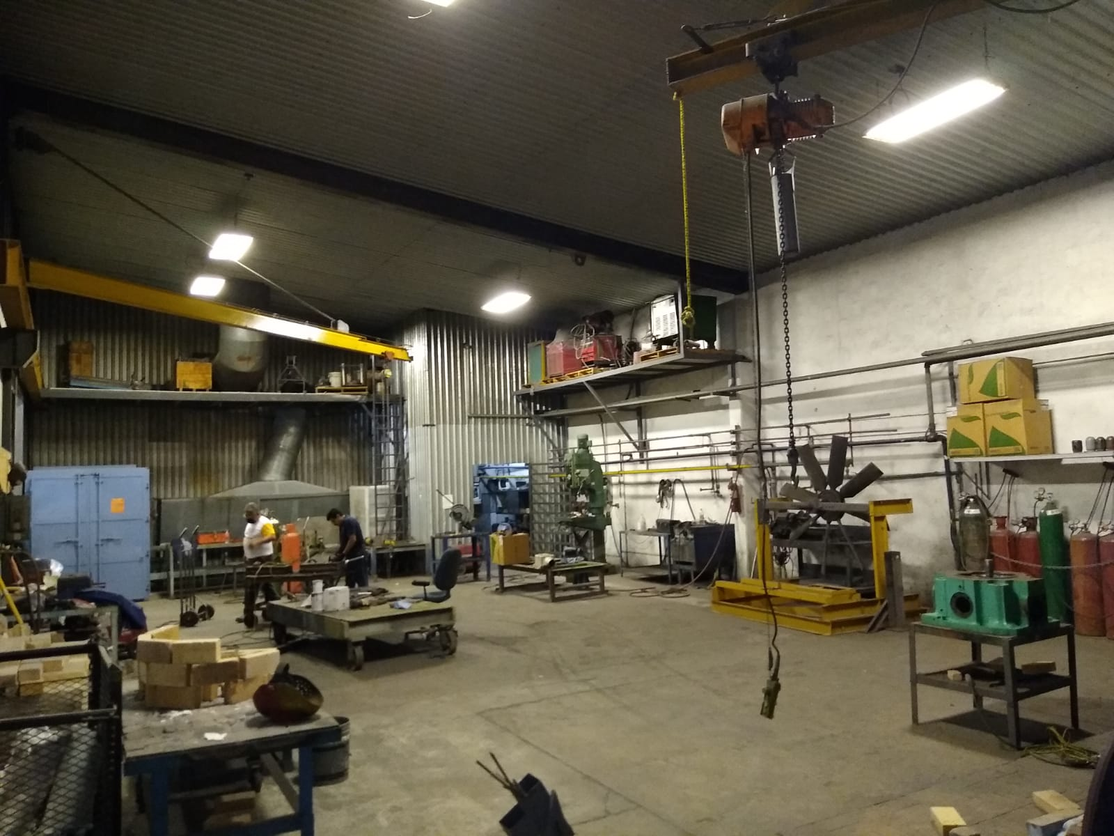 Cast Iron Welding Services grow Business Mexico Branch in the Workshop